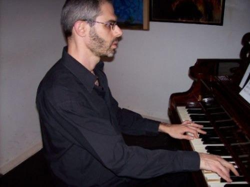 profesor, clases de piano, órgano y teclados