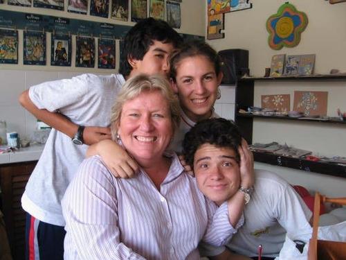 profesora de inglés (ex-alumna del roosevelt).
