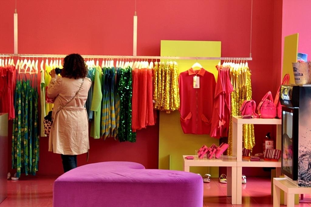 6e3b11121185 programa lojas de roupas femininas, masculinas em geral. Carregando zoom.