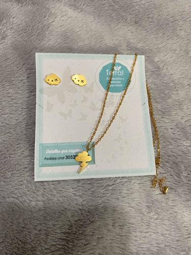 promo collar y topos en acero dorado diseño nube estrellas