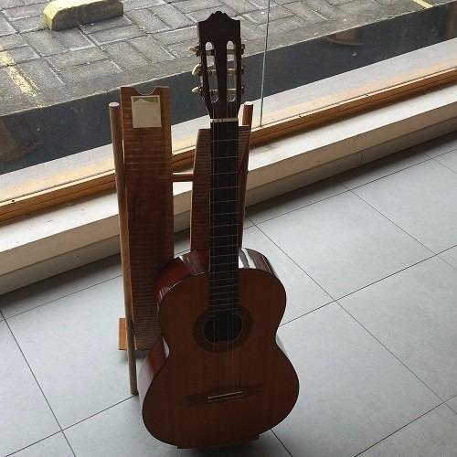 promocioneslafamilia soportes dobles para guitarras madera