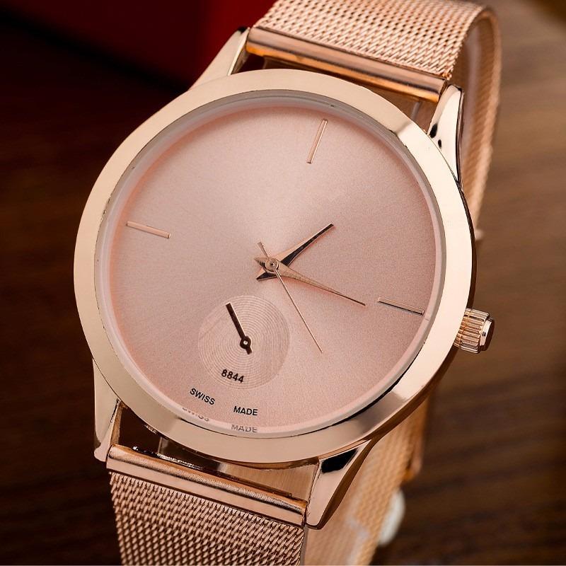 c488d29e40e Promoção 2 Relógios Feminino C  Estojo Analógico Barato Luxo - R  130