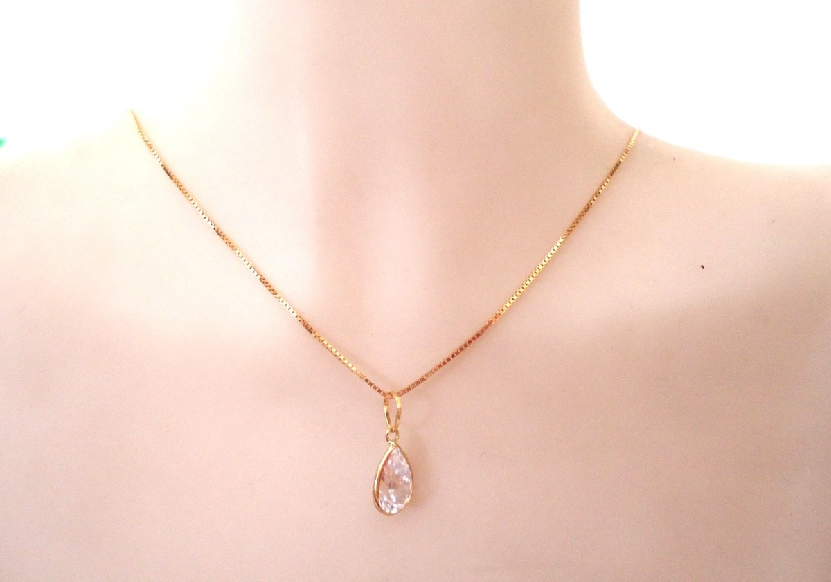 bd65678342741 promoção corrente feminina e pingente gota joia de ouro 18k. Carregando  zoom.
