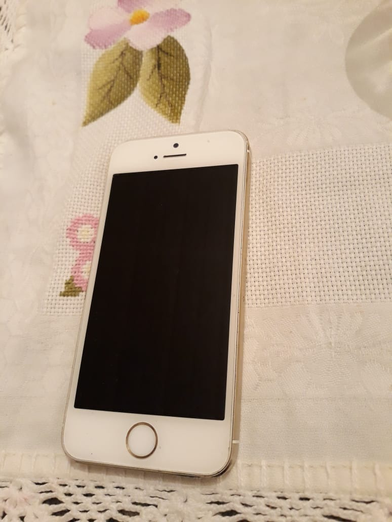 fdf1989c755 Promoção iPhone 5s 16gb Dourado Gold Oportunidade!!! - R$ 700,00 em ...