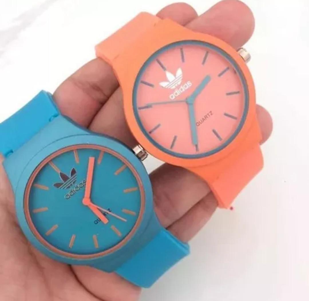 ad57a4a72de Promoção!! Kit 2 Relógios Feminino Silicone Atacado - R  120