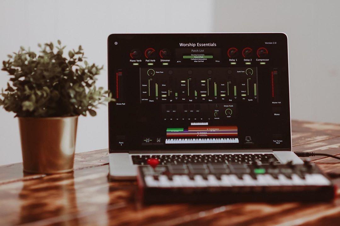 Promoção/worship Essentials 2 1 (2019) + Pacote Worship-mac
