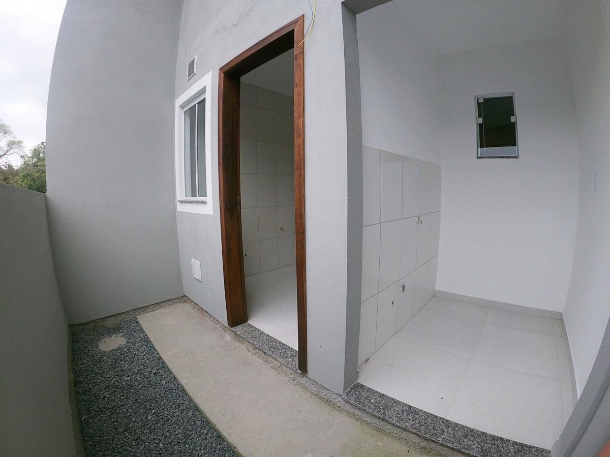 pronto para morar! ultima unidadelindo sobrado  com sala e cozinha conjugada, 2 quartos, 1 banheiro, 1 vaga de garagem, área para churrasqueira, preparação para ar split, piso em porcelanato, paredes