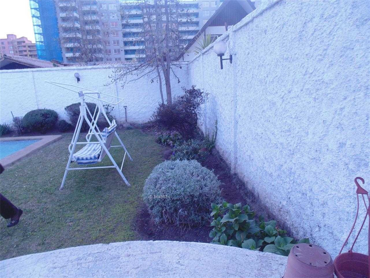 propiedad buen terreno, aislada, 1 piso, cercana a walker martinez