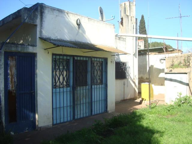 propiedad: burzaco: casa c/garage para 2 autos, con parque