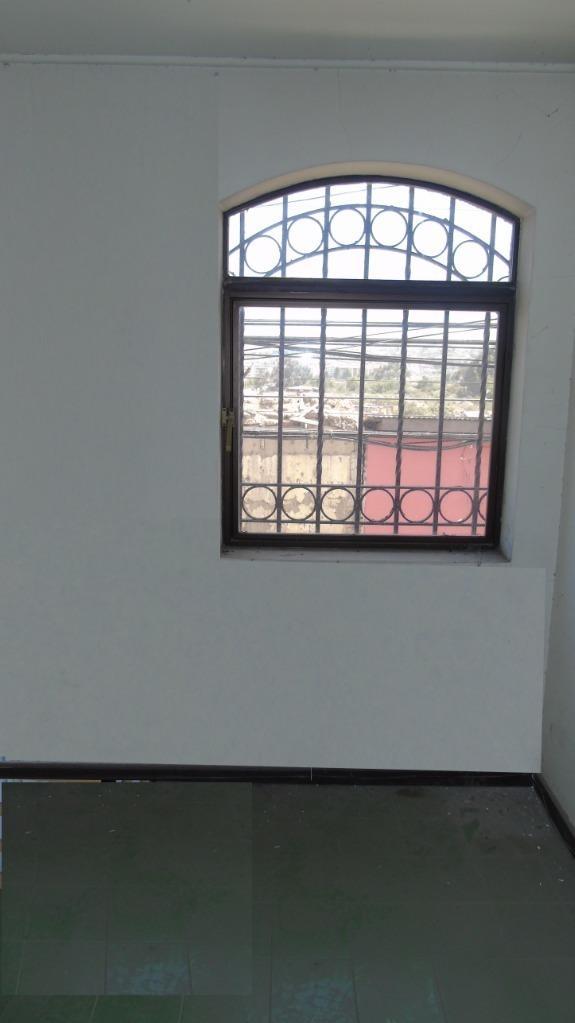propiedad con oficinas y 2 amplios galpones, en casco histórico de la serena