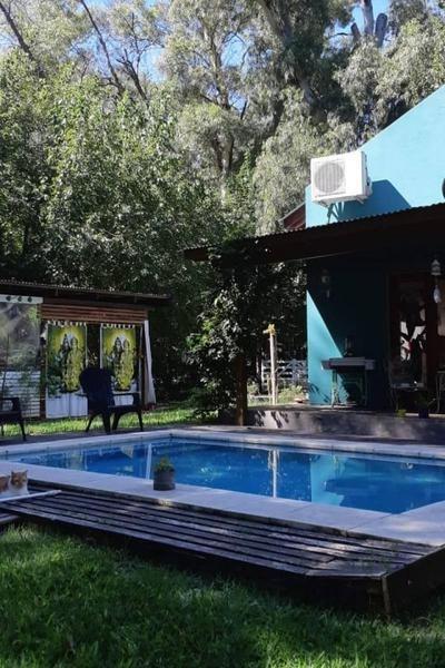 propiedad  con piscina en el carmencito