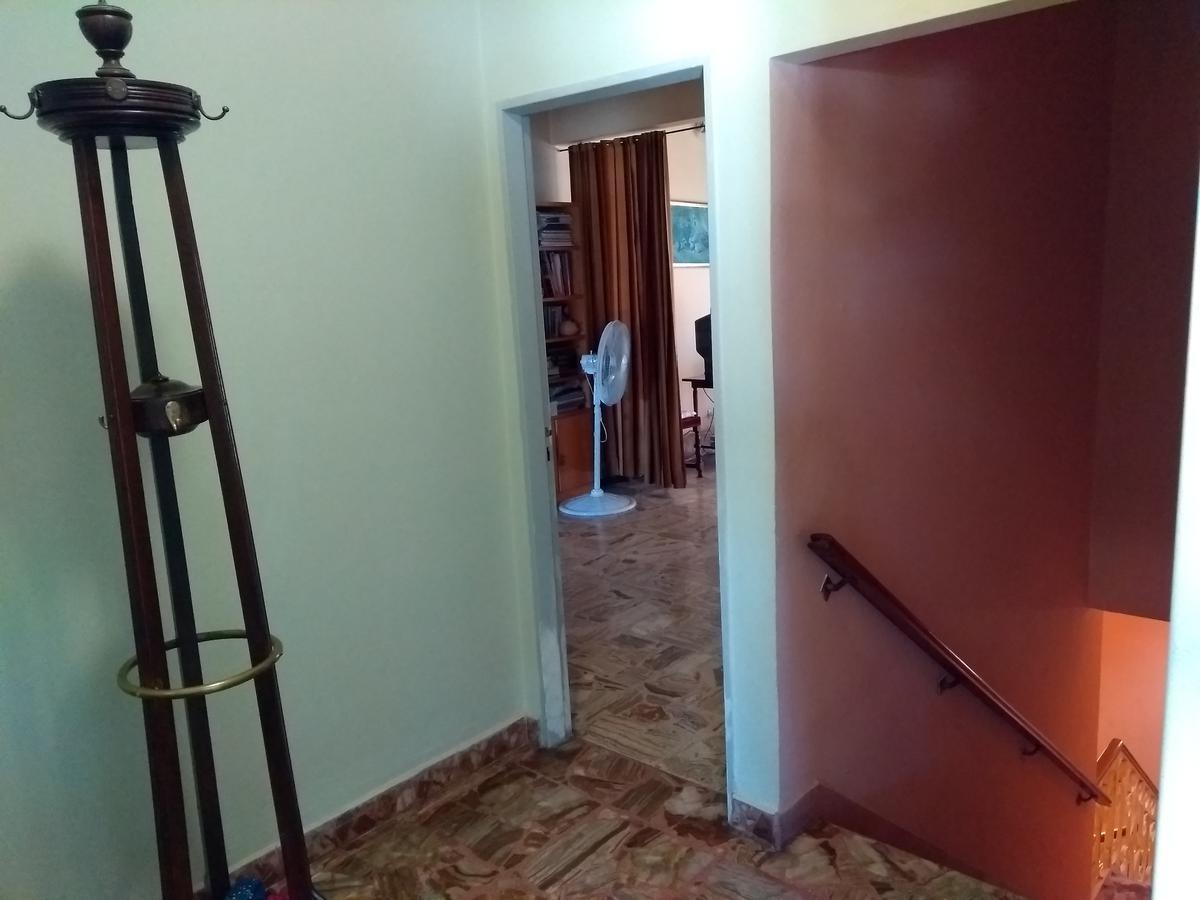 propiedad de usos múltiples sobre terreno de 818 m2 en villa ballester