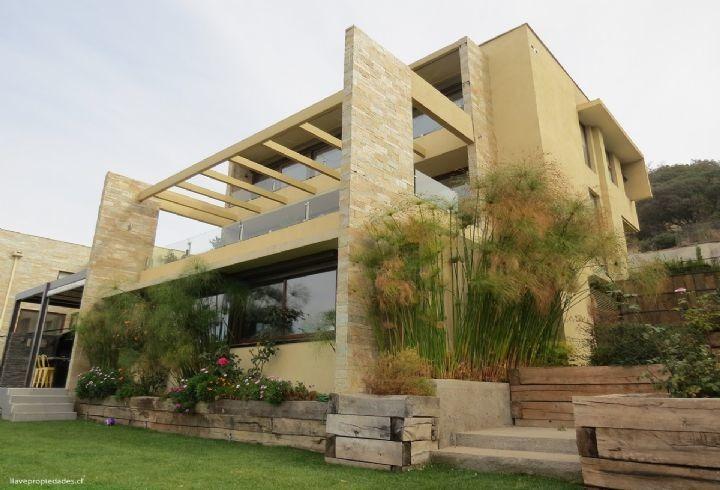 propiedad en casa mediterránea en condominio interior