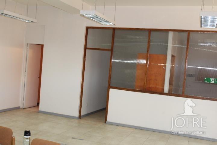 propiedad en cómoda oficina en pleno centro de los andes