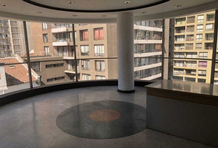 propiedad en edificio comercial de 8 pisos en providencia