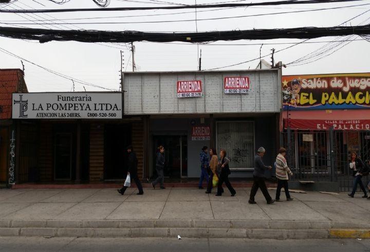 propiedad en excelente local en plaza de maipú