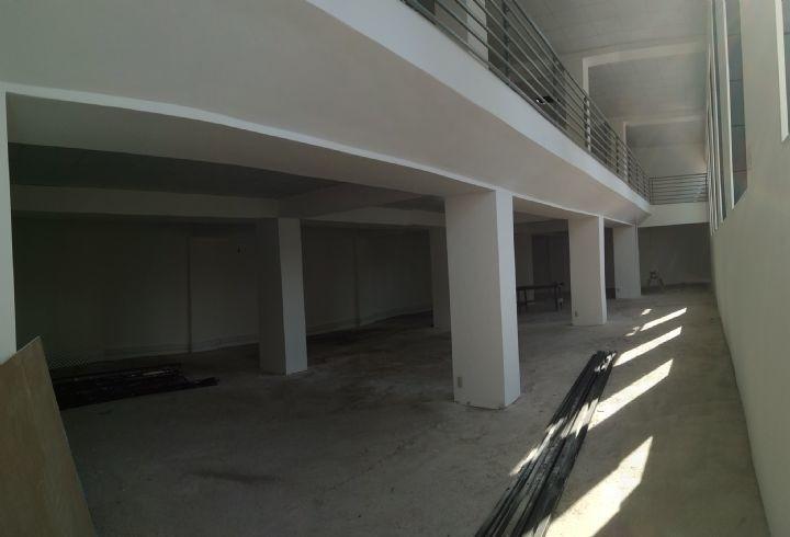 propiedad en local/ oficina a pasos plaza san bernardo