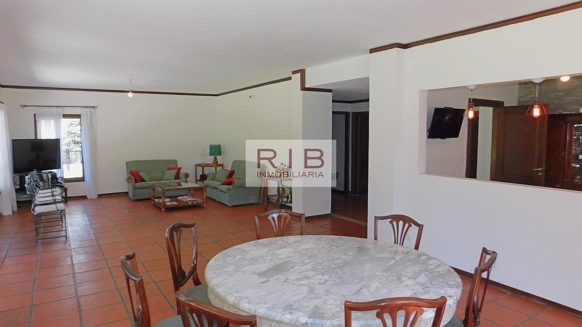 propiedad sobre 3000 m2 - alquiler anual - farm club - pilar
