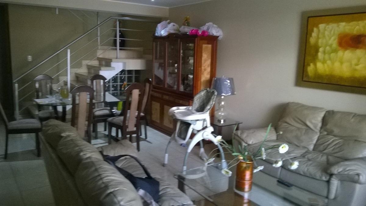 propietario vende casa chalet de 3 pisos. ocasión