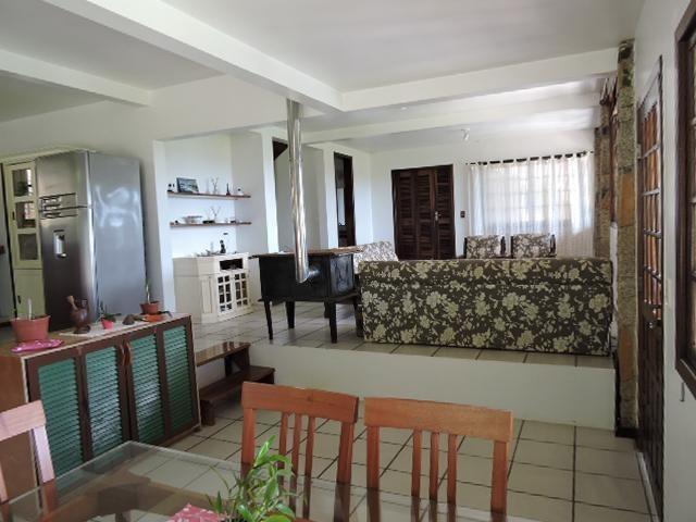 propriedade de alto padrão com 3 casas à venda - ca0308