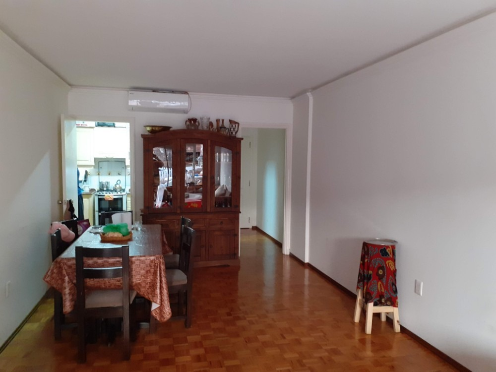 proprietario vende apartamento de 3 ambientes con patio.