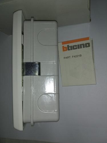 proteccion bticino 642b original en su caja.