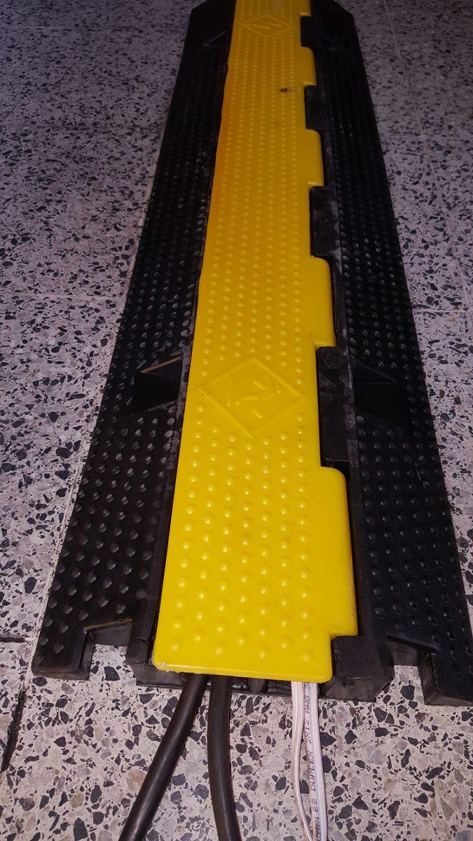 Protector De Cables  Pasacables  Pasa Cables  Yellow