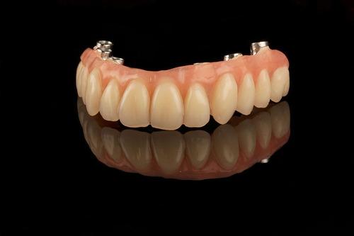 protesis en el acto. volve a sonreir. acep. tarj cred.
