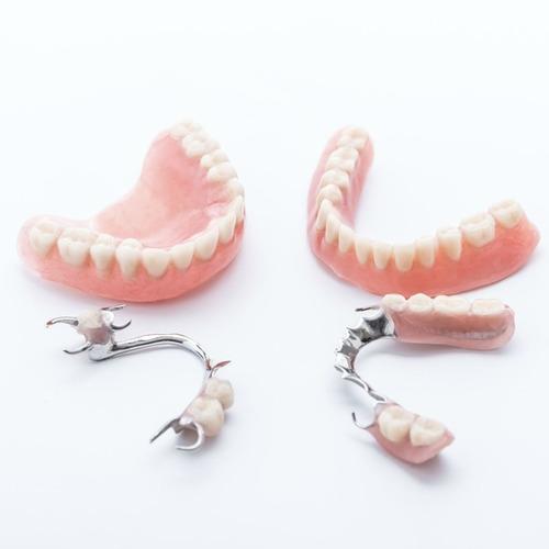 prótesis total o parcial