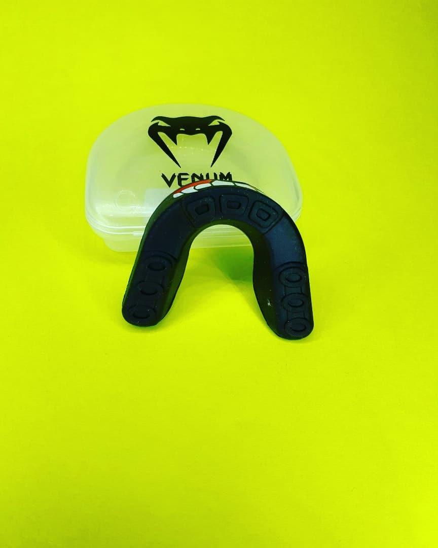 c7b52038d protetor bucal venum importado simples com estojo. Carregando zoom.