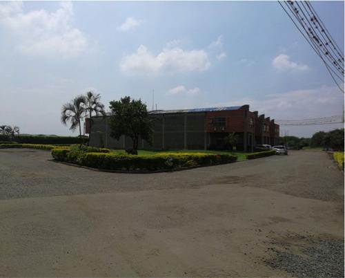proyecto de locales y bodegas en parque industrial