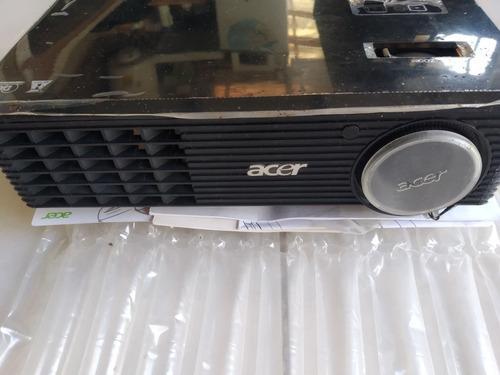 proyector acer con pantalla retráctil automática de 120