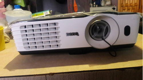proyector benq modelo.mw6653200 lumenes ansi wxga(1280x800)