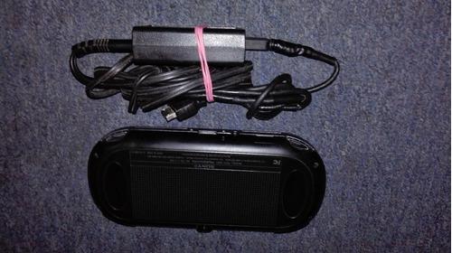 ps vita fat modelo pch-1001,memoria 4 gb,cargador y juegos