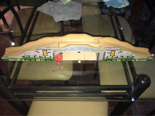 puente de trenes imaginarium para pista de trenes