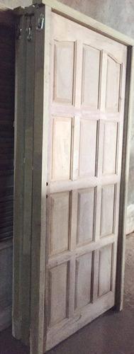 puerta alistonada moderna