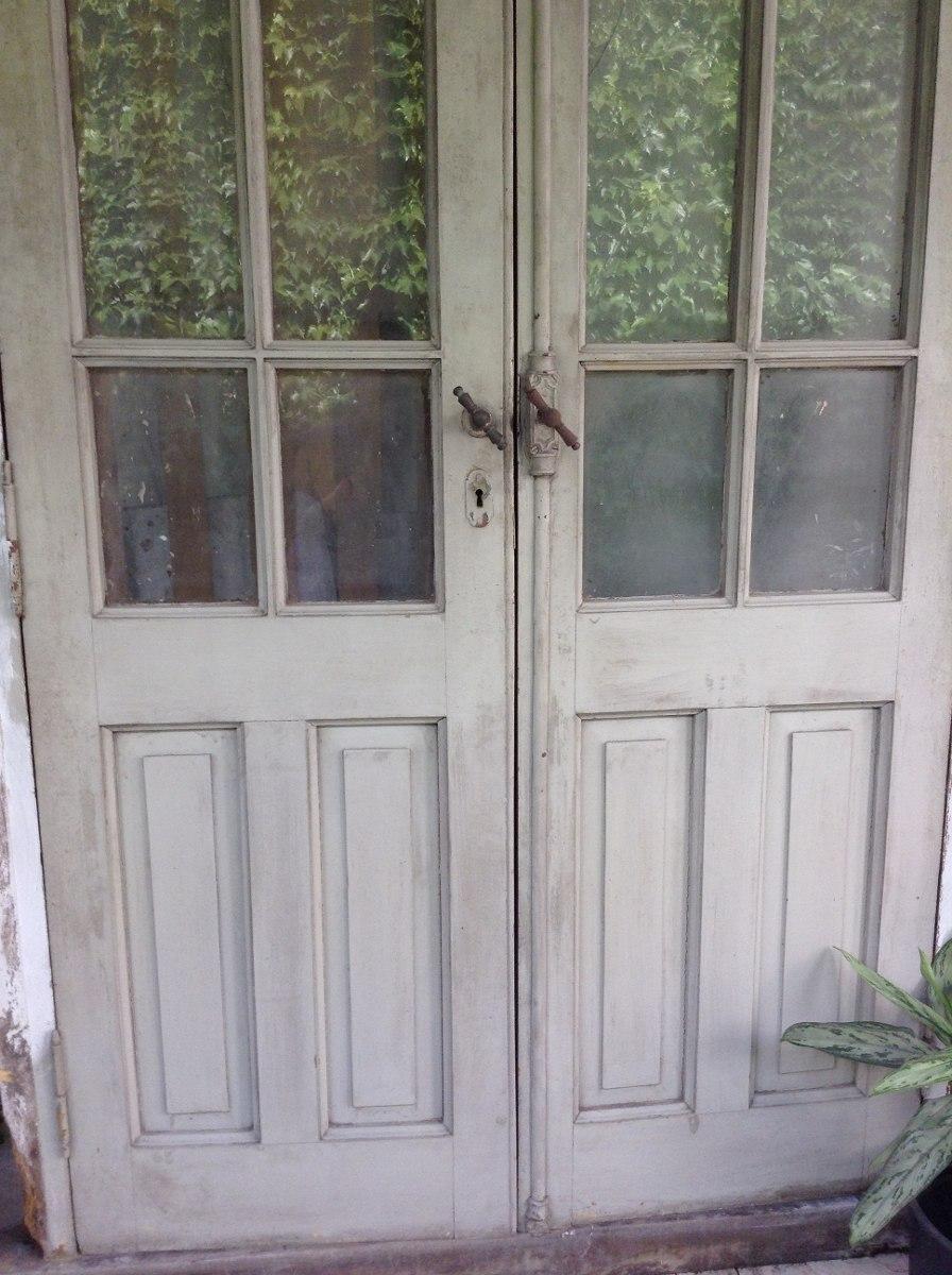 puerta antigua de madera pinotea doble hoja