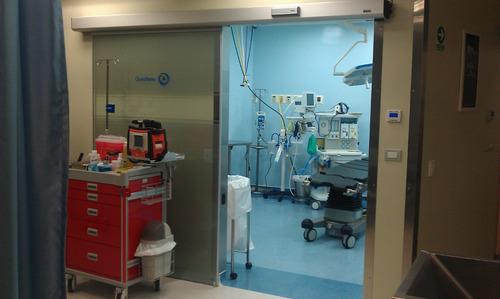puerta automática emergencias quirofanos clinicas hospitales