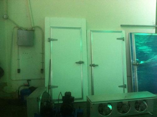 puerta batientes cava cuarto fabricación