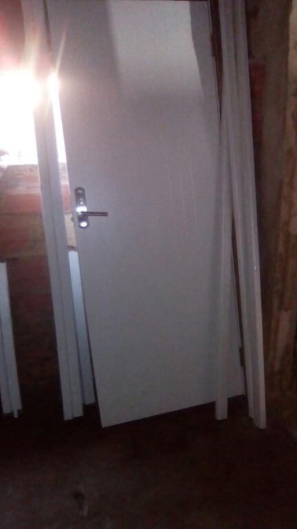 Puerta Blanca Madera Cerradura Multi Lock - Bs. 5.500,00 en Mercado ...