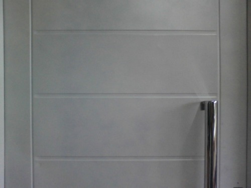 puerta chapa doble inyectada de 80x200 c/manijon