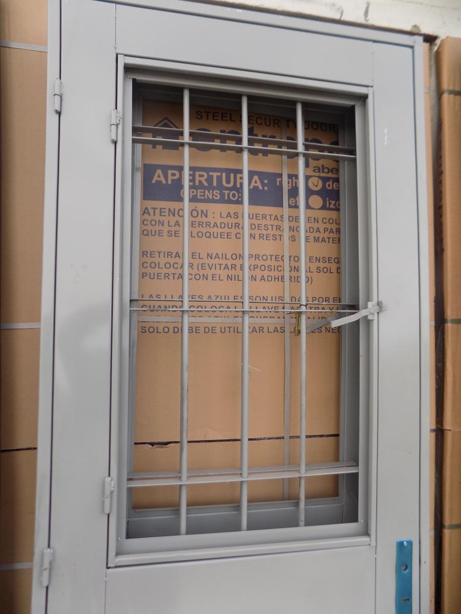Puerta de chapa doble con postigo de exterior for Puertas dobles exterior