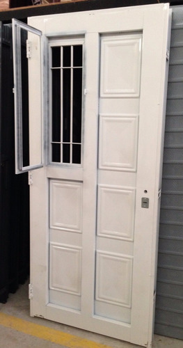 puerta  chapa simple reforzada 80x2.00 postigo lateral abrir