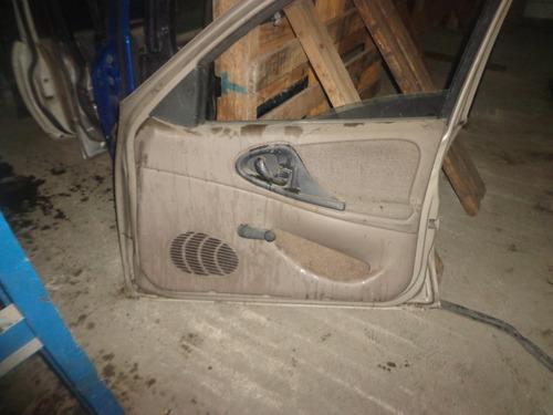 puerta chevrolet cavalier 98 der-delt