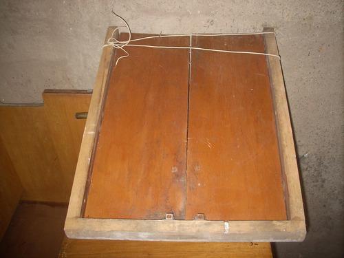 puerta c/marco madera chica 56 cm x 72 cm alto.