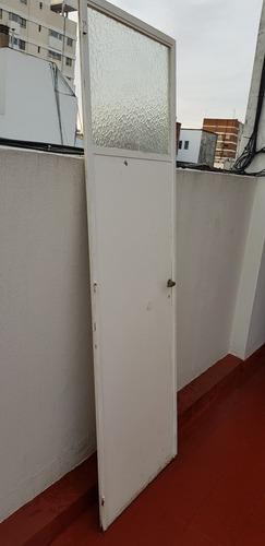 puerta cocina o baño hierro 2,11 mt alto por 65,1/2 ancho ex