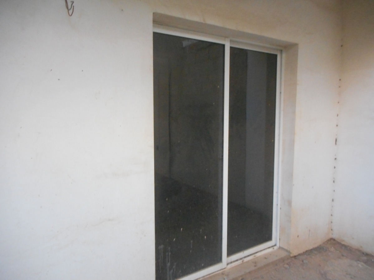Puerta corrediza de vidrio para balcon de aluminio for Puerta corrediza aluminio