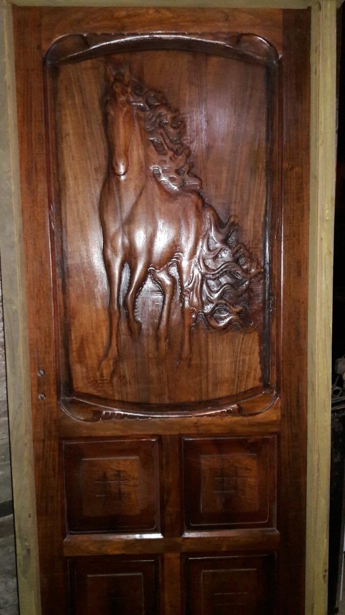 Puerta De Algarrobo - Caballo En Relieve - $ 16.500,00 en Mercado Libre