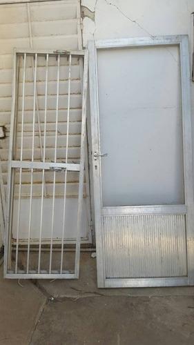 puerta de aluminio con y sin vidrio