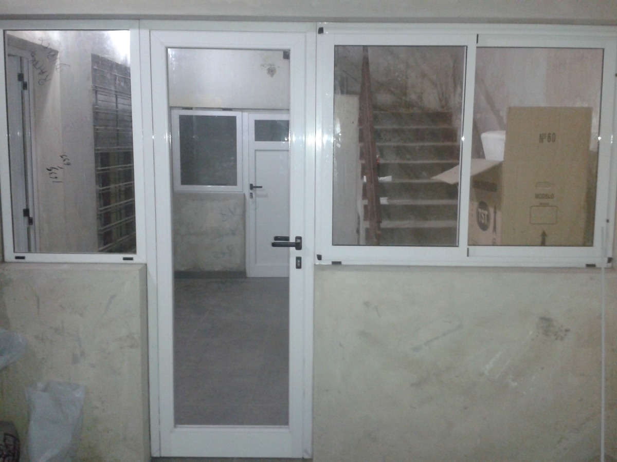 puerta de aluminio mdena don aberturas